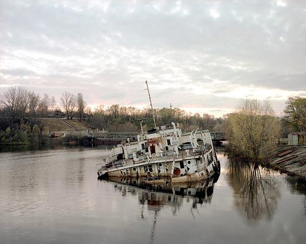 un-bote-en-el-rio